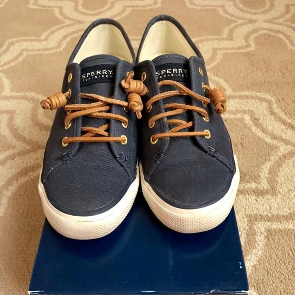Sperry Womens Seacoast Canvas Sneaker
